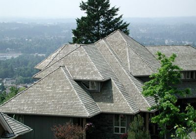 gray roof image of Wolf Creek Cedar's wood cedar roof work
